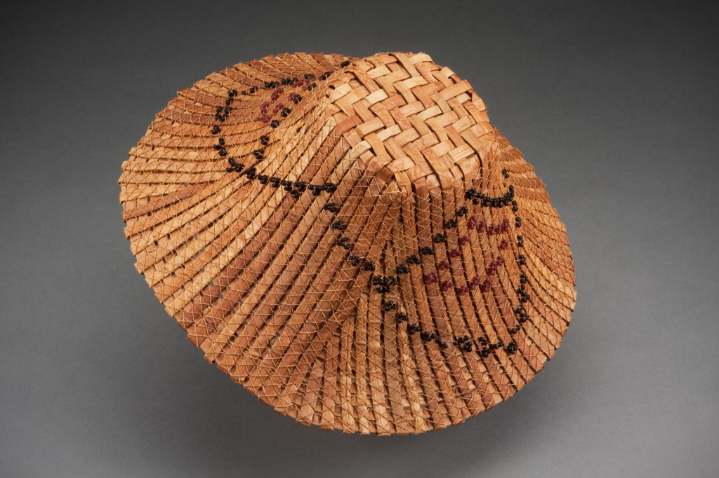 How To Weave A Cedar Basket : Cedar bark weaving on basket baskets